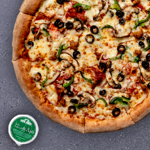1 Pizza Mediana Especialidad (Especial de John, Super Papa o Especial Queso Azul) (Antes 14,95) = 11,95€